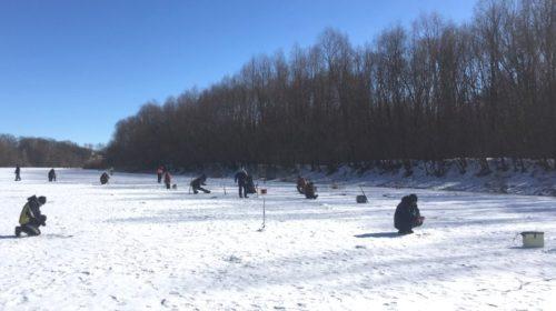 Міжрайонні змагання з підльодного лову риби відбулися на Десні
