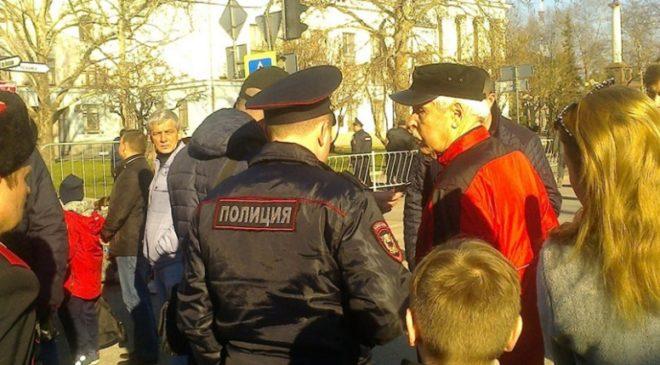 Первого президента Крыма задержали перед выступлением Путина