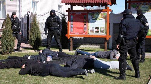 Силовики оперативно затримали «приватних» охоронців