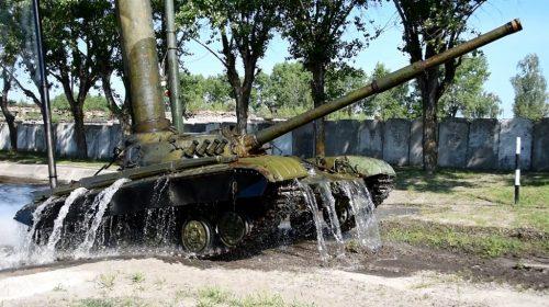 Танкісти на Чернігівщині змінили імідж: замість вовка – сталевий кінь