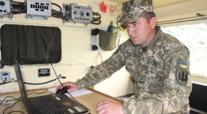 На Чернігівщині військові зв'язківці вдосконалювали свої навички