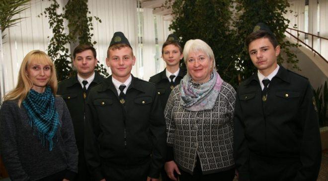 Нагородження учасників Всеукраїнського зльоту шкільних лісництв