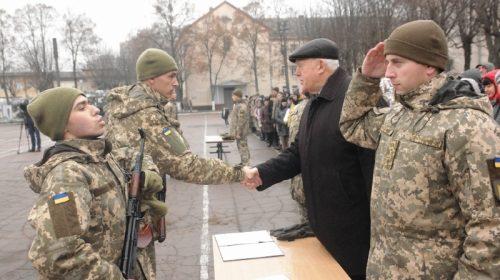 У Чернігові 268 військовослужбовців склали військову присягу
