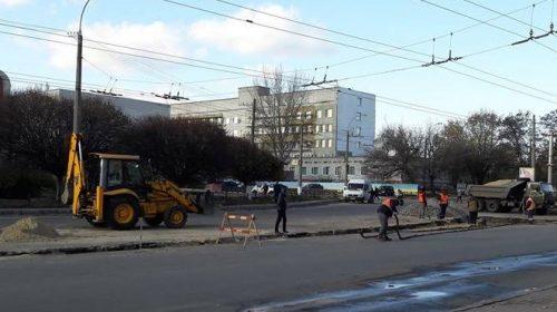 Ремонт дороги у Чернігові продовжили ще на п`ять днів