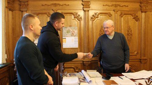 Чемпіони з Бобровиці отримали премію від Леоніда Яковишина