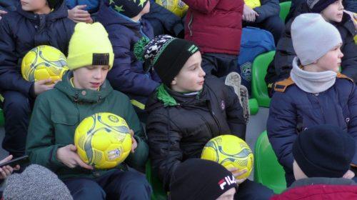 Приємні сюрпризи для вихованців чернігівської школи «Юність»