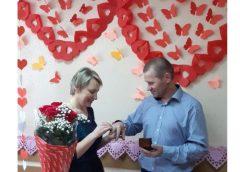 У Чернігові пара урочисто відсвяткувала мереживне весілля