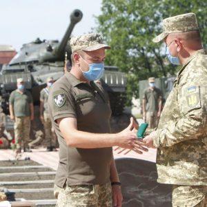 Танкісти з бойового рубежу повернулися на Чернігівщину. Відео