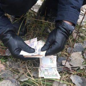 Чернігівщина: на хабарі спіймався посадовець виправної колонії