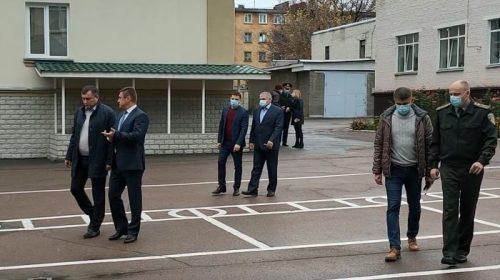 На прохання батьків народний депутат проінспектував держустанову