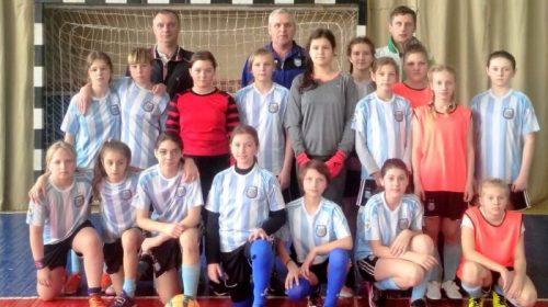 Чемпіонки у змаганнях — дівчата з Чернігівської команди «Юність»